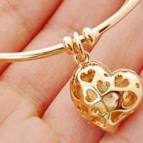 Free Shipping Heart Pendant Embelli..