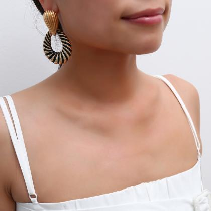 Simple Geometric Hollow Earrings