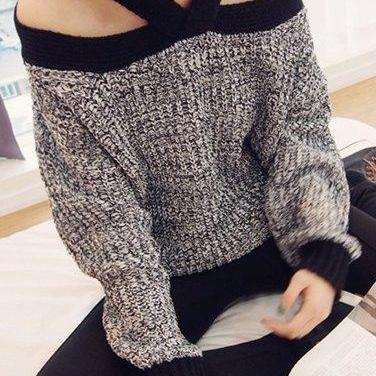 Stylish V-Neck Long Sleeve Hollow O..