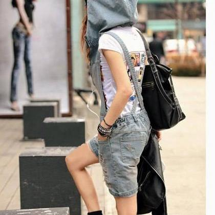 Retro Hole Zipper V-neck Casual Cap..