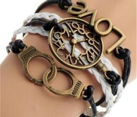Fashion Clock LOVE H..