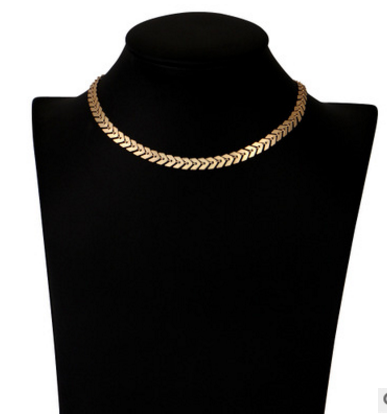 Fashion Fishbone Sequins Short Necklace