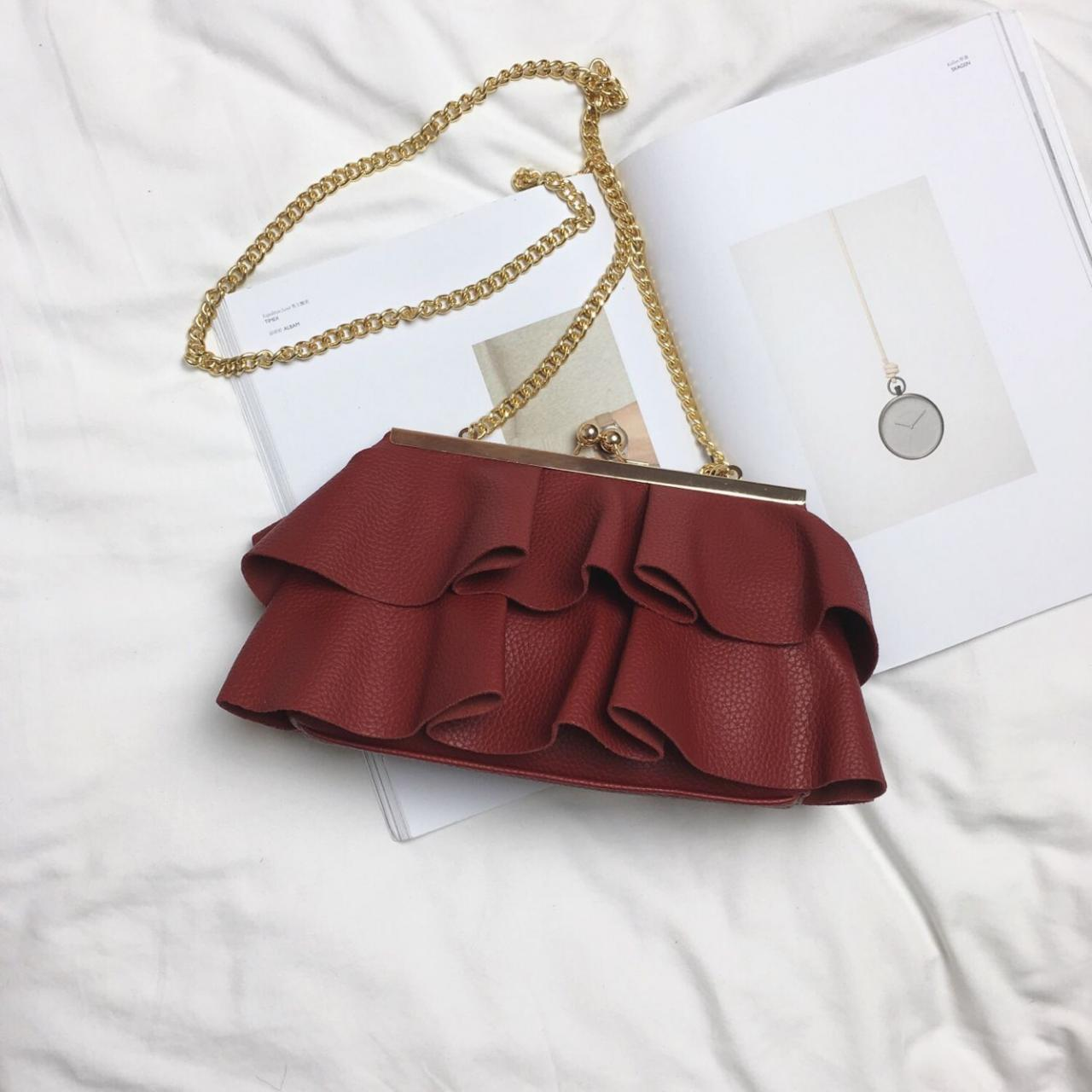 Distinctive Skirt Shape Chain Crossbody Bag