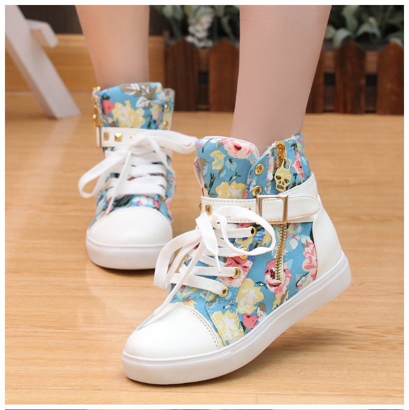 a14392f3dd34 Cute Floral Print Skull Lace Up High Cut Women Sneakers on Luulla