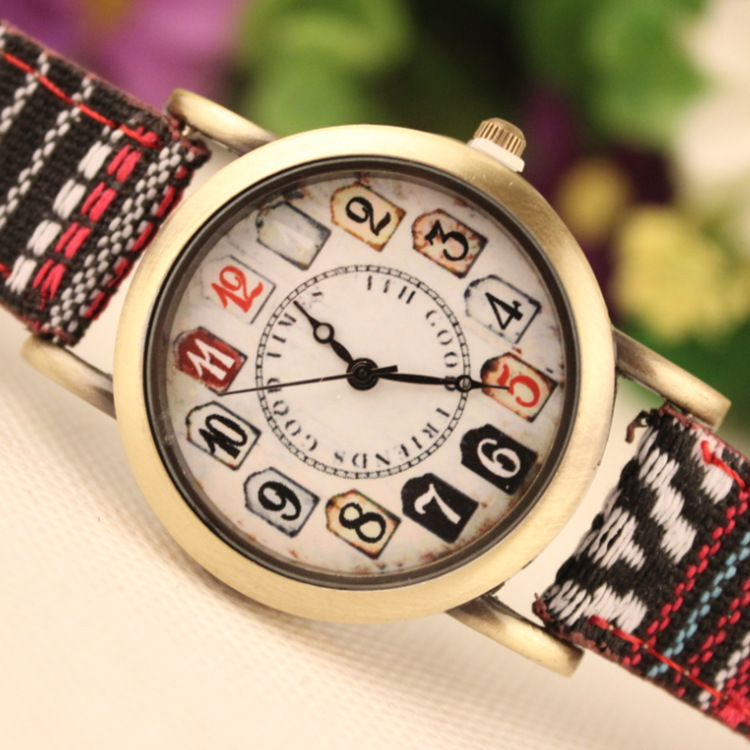 Retro Print Lady's Wrist Watch