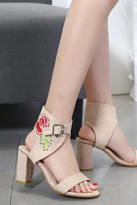 Chunky High Heel Open Toe Ankle Wrap Sandals Featuring Flower Embroidery - Black / Apricot