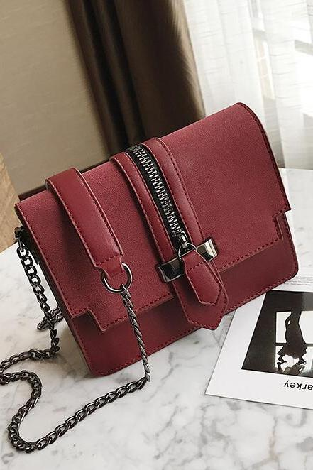 Distinctive Zipper Design Solid Color Chain Crossbody Bag