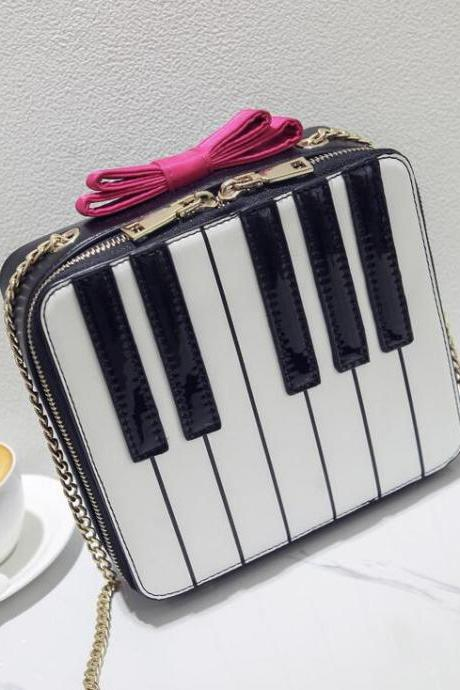 Distinctive Piano Keys Pattern Crossbody Bag