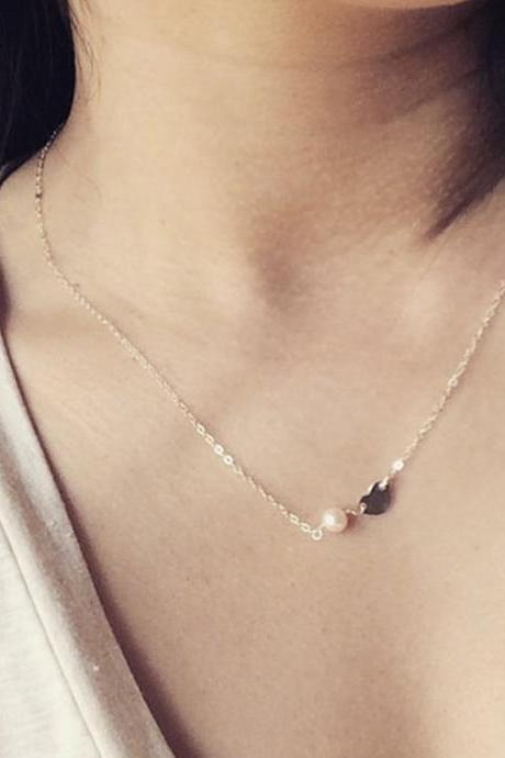 Tiny Heart Smooth Delicate Pearl Necklace