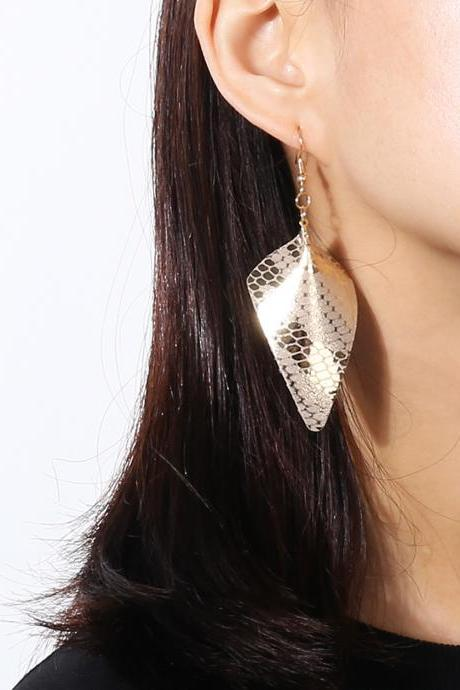 Flannelette Triangle PU Simple Temperament Earrings