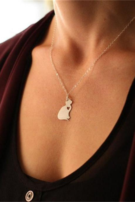 Alloy Cute Cat Pendant Necklace