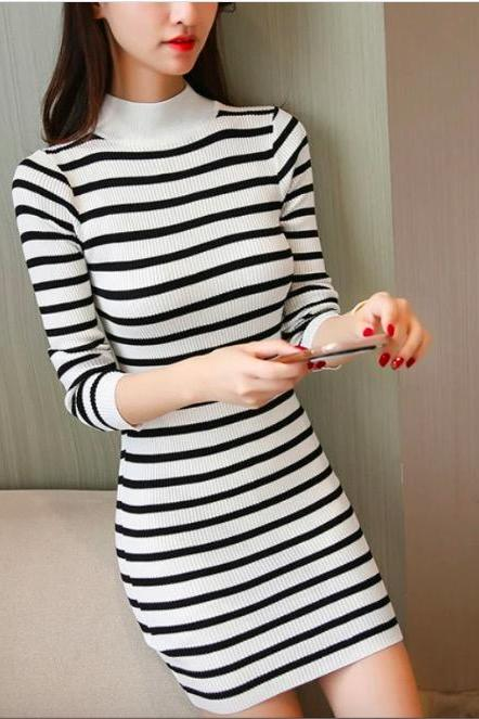 TURTLENECK STRIPED KNIT BODYCON DRESS