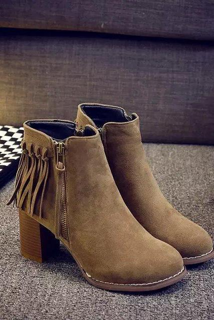Round Toe Chunky Heel Suede Tassel Boots with Side Zipper Embellishment