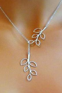 Fashion Metal Leaves Short Necklace