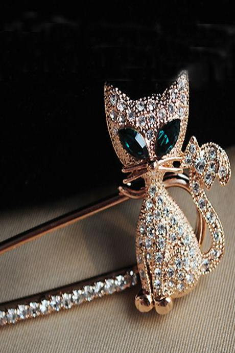 Shining Diamond Cat Brooch