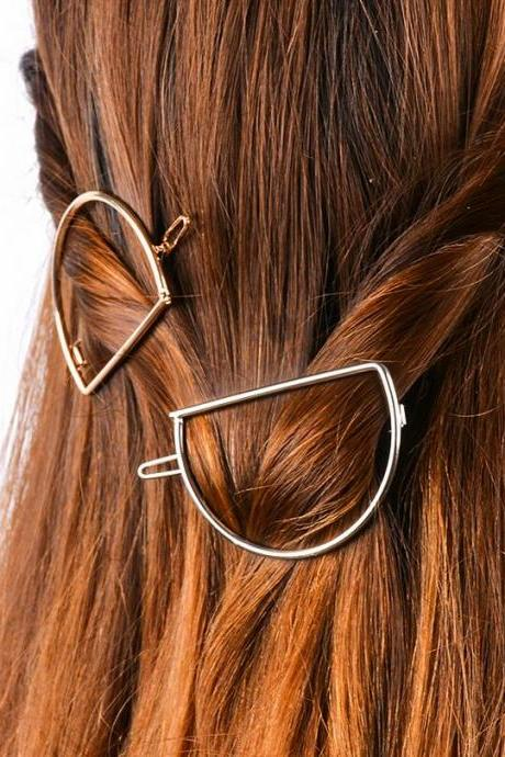 Simple D Shape Women's Hairpin
