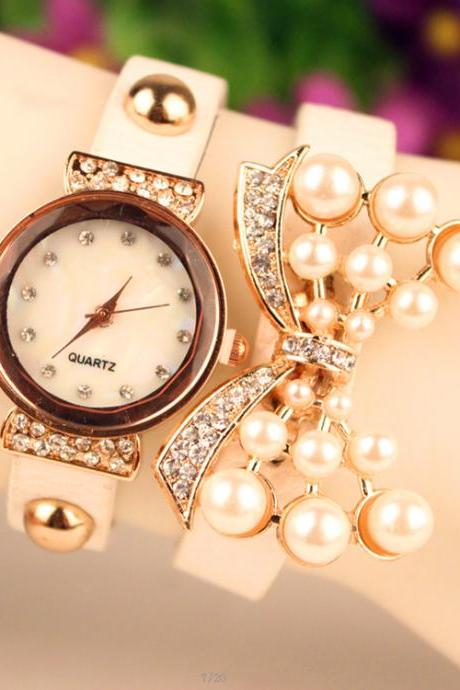 Beautiful Crystal 16 Pearl Watch