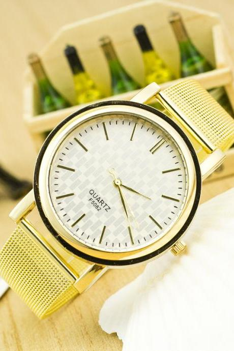 Golden Alloy Mesh Popular Watch