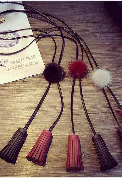 The explosion of hot fuzz balls Li Xiaolu double Su leather sweater chain