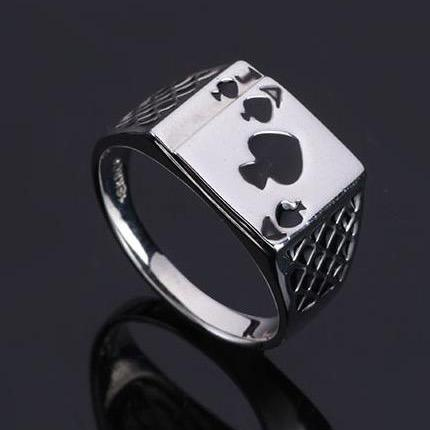 Spades A poker heart-shaped ring