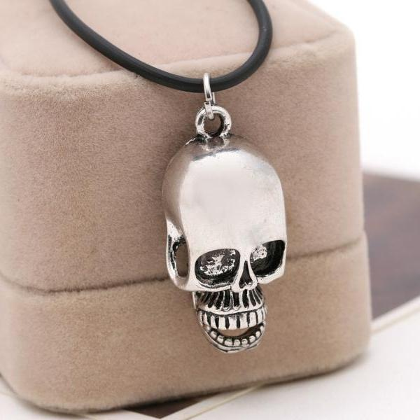 Hot Sales Skull Pendant Alloy Necklace