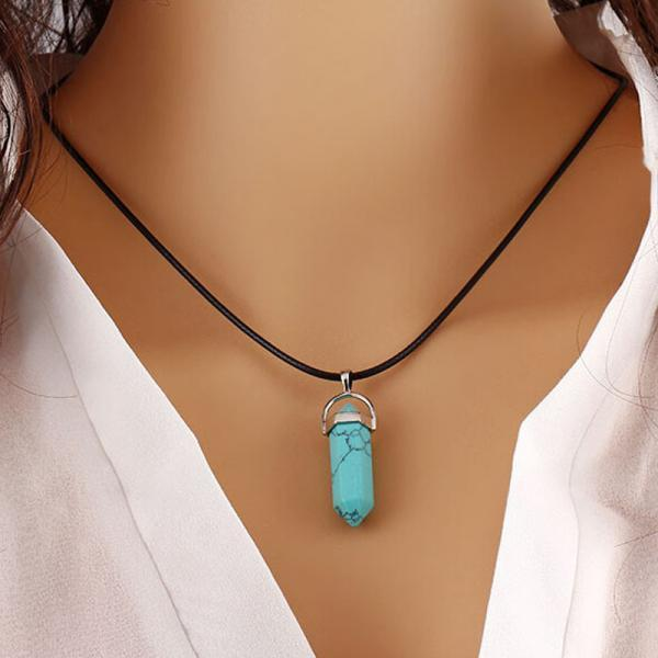 Retro Natural Turquoise Crystal Bullet Pendant Clavicle Necklace